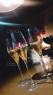 お酒,バラ,リラックス,ワイン,グラス,乾杯,ドリンク,シャンパン,ご褒美,おしゃれ,楽しむ,女性だけ