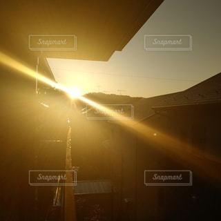 空,太陽,オレンジ,光,朝焼け,日の出,明るい