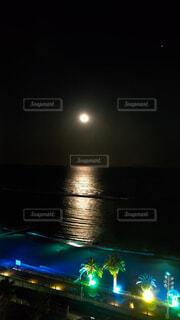 自然,風景,海,空,水面,イルミネーション,月,明るい,月の道
