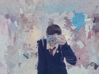 鏡から見た僕の写真・画像素材[2693015]