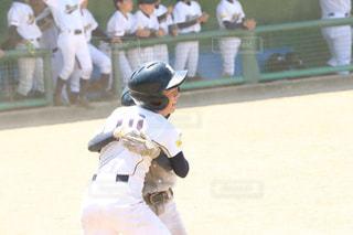 バットを持っている野球選手の写真・画像素材[2942411]