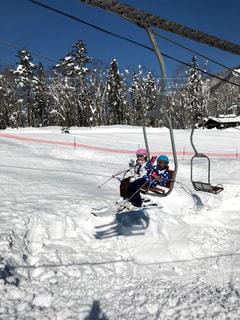 子ども,2人,アウトドア,スポーツ,雪,人物,ゲレンデ,レジャー,リフト