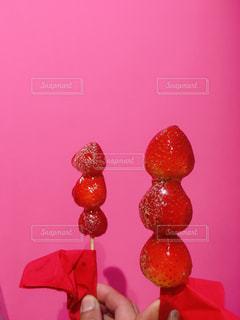 美味しいイチゴ飴の写真・画像素材[3214255]
