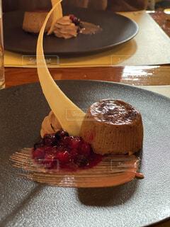 オシャレなデザートケーキの写真・画像素材[3981461]