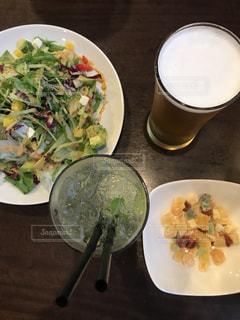 食べ物,ディナー,ビール,料理,記念日,乾杯,ドリンク,モヒート,ごちそう,結婚記念日