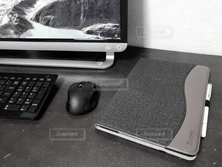 パソコン,仕事,ビジネス,キーボード,タブレット,マウス,リモートワーク,ビジネスシーン