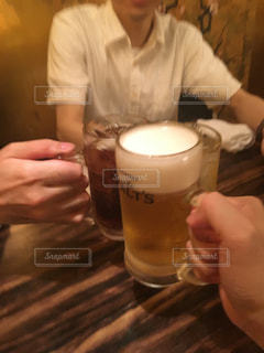 お酒,グラス,乾杯,飲み会,ドリンク,酒,アルコール,同期,仕事終わり,愚痴,1杯目