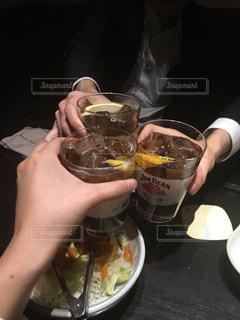 食事,お酒,グラス,乾杯,飲み会,ドリンク,酒,アルコール,カンパイ