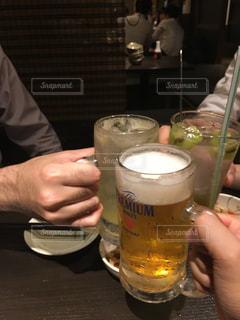 グラス,ビール,毛,乾杯,飲み会,ドリンク,酒,アルコール,飲み,カンパイ,レモンサワー,同期会,男子会,乾杯フォト,男飲み