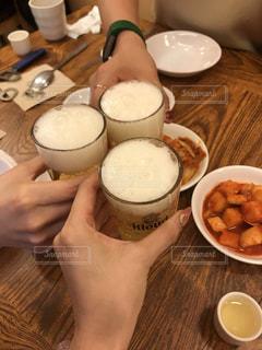 人,グラス,ビール,乾杯,飲み会,ドリンク,女子会,夜ごはん