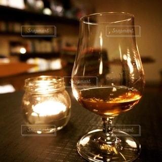 お酒,グラス,ウイスキー,乾杯,ドリンク