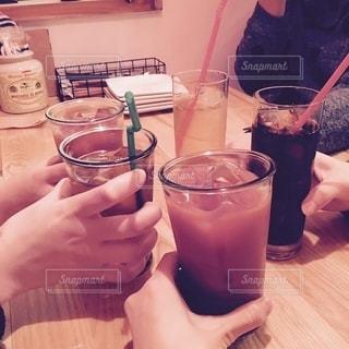 お酒,グラス,乾杯,ドリンク,飲む,フォトジェニック,インスタ映え