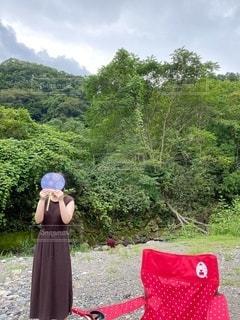 凧を持っている人の写真・画像素材[3555464]