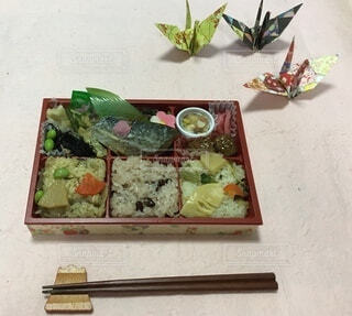 ナイフを持った食べ物の皿の写真・画像素材[3652002]