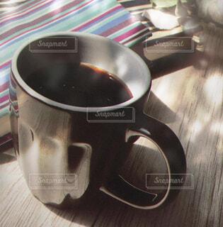 食べ物,カフェ,コーヒー,屋内,テーブル,リラックス,食器,カップ,おうちカフェ,ドリンク,おうち,ライフスタイル,ボウル,コーヒー カップ,おうち時間