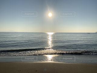 自然,海,空,屋外,太陽,朝日,砂,ビーチ,波,水面,海岸,光,朝陽