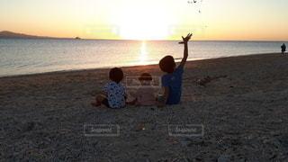 子ども,自然,空,太陽,ビーチ,砂浜,海岸,光,幼児,サンセット,兄妹