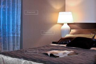 インテリア,クッション,照明,ベッドサイド,ライトスタンド