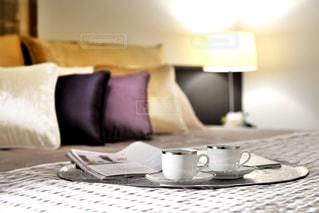 インテリア,クッション,コーヒーカップ,ベッドサイド,ライトスタンド