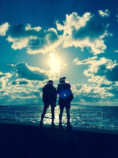 海,空,屋外,太陽,雲,シルエット,光