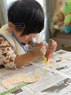 子ども,屋内,かわいい,テーブル,書類,幼児,作品,紙,データ