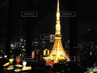 恋人,夜景,タワー,都会,高層ビル,グラス,乾杯,ドリンク,デート