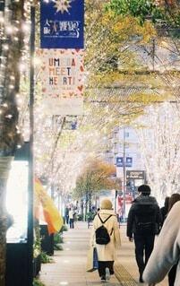 風景,屋内,大阪,手,景色,スマホ,イルミネーション,人,キラキラ,クリスマス,スマートフォン,梅田,電話,玉ボケ,携帯,グランフロント,コンピューター,ゴールド,携帯電話,インスタ,テキスト,グランフロント大阪,エレクトロニクス,インスタ映え,スクリーン ショット,シャンパンゴールド,大阪梅田,タブレットコンピュータ