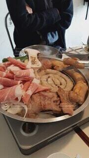 食べ物,食事,ディナー,屋内,フード,人物,人,貝,肉,韓国,魚介類,ホルモン,飲食,韓国グルメ,コプチャン