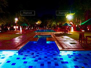 夜の街の眺めの写真・画像素材[2452666]