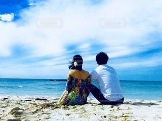海と彼女の写真・画像素材[2624393]