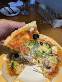 ピザのスライスの写真・画像素材[3701426]