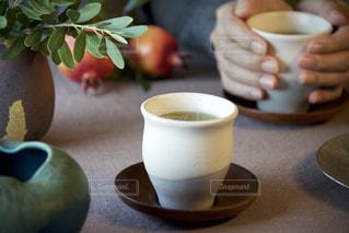男性,飲み物,温かい,休憩,お茶,テーブルフォト,緑茶,日本茶,ひととき