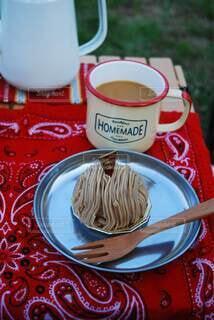 モンブランとコーヒーの写真・画像素材[3874092]