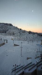 自然,風景,アウトドア,空,冬,スポーツ,雪,人物,朝,ゲレンデ,レジャー,早朝,スキー場,冷