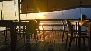 レストランからの夕焼けの写真・画像素材[2867222]
