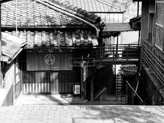 建物の白黒写真の写真・画像素材[2841671]
