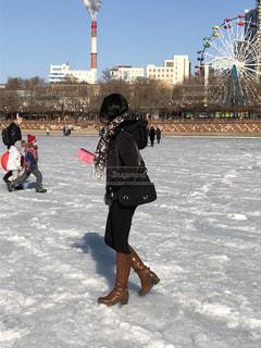 氷の海を歩くの写真・画像素材[2702763]
