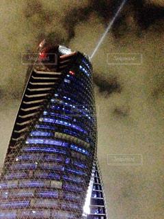 もやのかかった都会の高層ビルの写真・画像素材[2721325]