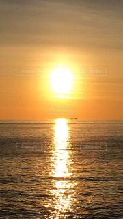 自然,海,空,屋外,湖,太陽,ビーチ,水面,海岸,光,日の出