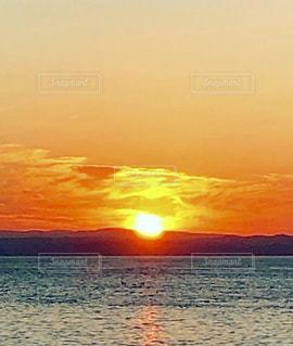 自然,風景,空,太陽,水面,オレンジ,光,日の出,最高