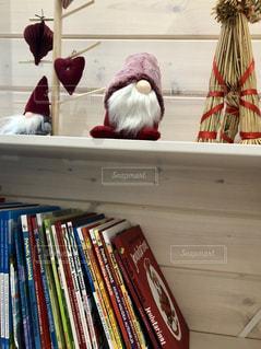 可愛い棚に本が並ぶの写真・画像素材[2893501]