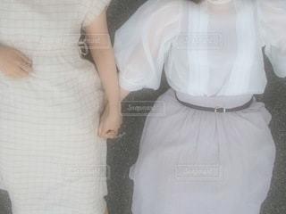 手を繋ぐ女の子の写真・画像素材[3495031]