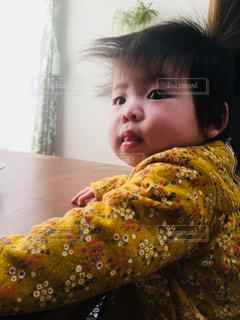 たそがれる赤ちゃんの写真・画像素材[2777398]