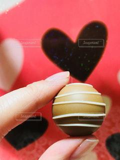 チョコとハートのクローズアップの写真・画像素材[2930611]