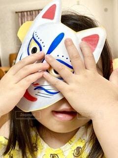 子供,女の子,指,手持ち,人物,人,ポートレート,爪,お面,ライフスタイル,手元
