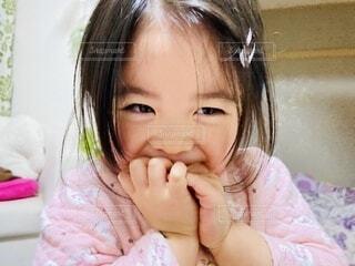 笑顔の女の子の写真・画像素材[4090510]