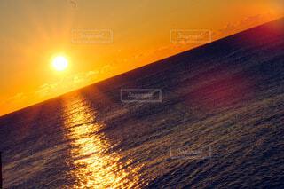 海,空,朝日,雲,水面,正月,お正月,地平線,日の出,新年,初日の出,2021