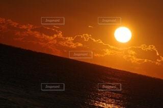 風景,海,空,屋外,太陽,朝日,雲,水面,正月,お正月,地平線,日の出,新年,初日の出,2021