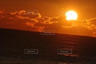 自然,海,空,屋外,太陽,朝日,雲,水面,正月,お正月,日の出,新年,初日の出,2021