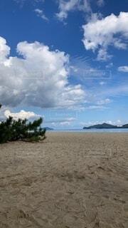 自然,風景,海,屋外,湖,ビーチ,雲,水面,山,樹木,月,空 砂浜  雲